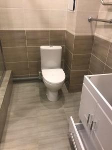 Установка унитаза и подключение полотенцесушителя на ул. Семейная, г. Раменское